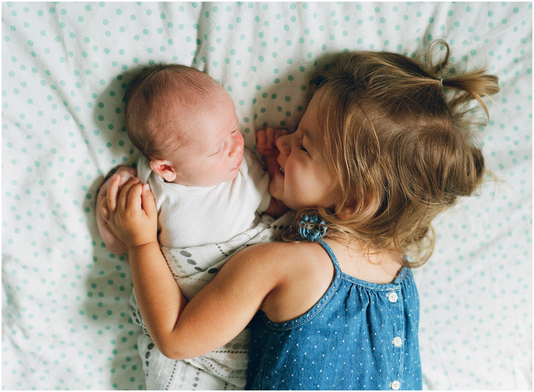 siblings portraits in newborn photos